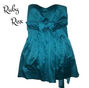 Ruby Rox Strapless Dress size 7 Green